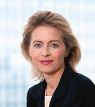 Frau Ministerin Ursula von der Leyen